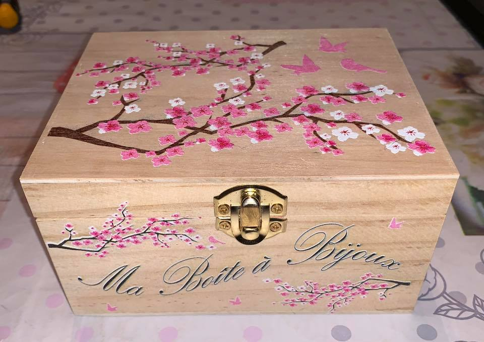 boite bois imprime personnalise_cadeau_objet_personnalise